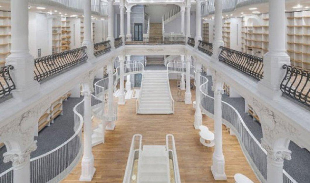 Η ωραιότερη βιβλιοθήκη της Ευρώπης, βγαλμένη από παραμύθι της Disney είναι στο Βουκουρέστι - Απολαύστε την μαγεία της! (ΦΩΤΟ) - Κυρίως Φωτογραφία - Gallery - Video