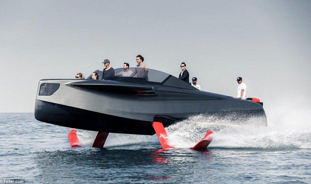 Πολυτελές γιοτ έρχεται για να σας μαγέψει: «Πετάει» 1,5 μέτρο πάνω από την θάλασσα (ΦΩΤΟ- ΒΙΝΤΕΟ) - Κυρίως Φωτογραφία - Gallery - Video