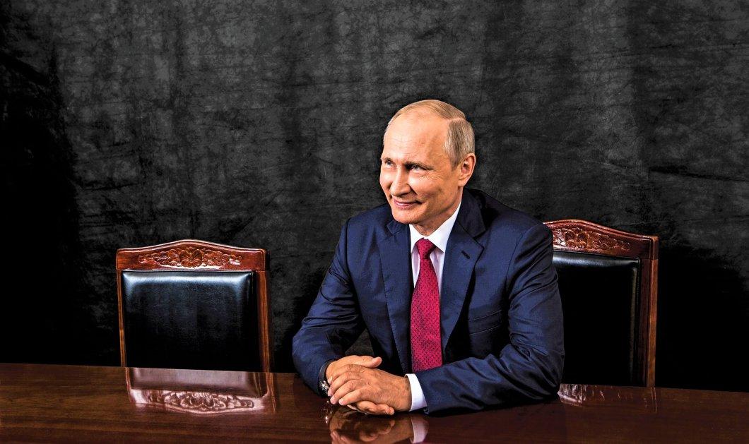 Ο Βλαντιμίρ Πούτιν δίνει δώρο ολοκαίνουργια smartphones σε όσους ψηφίσουν την Κυριακή!  - Κυρίως Φωτογραφία - Gallery - Video