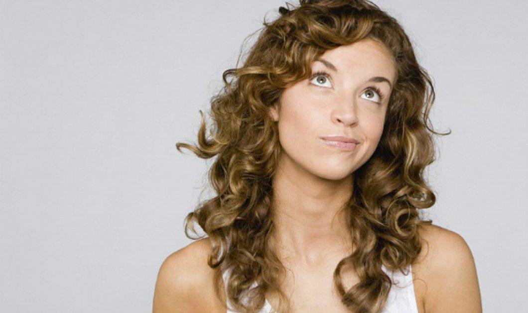 Σε προβληματίζουν τα πολύ σγουρά σου μαλλιά; Ιδού έξυπνες προτάσεις που θα σε κερδίσουν! - Κυρίως Φωτογραφία - Gallery - Video