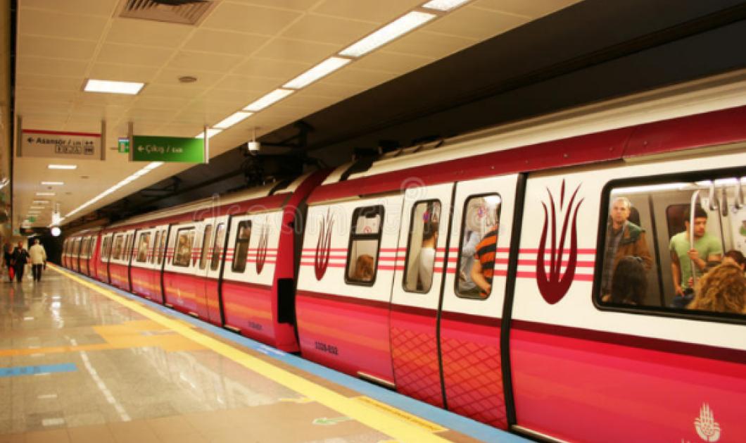 """Άνδρας """"εξαφανίστηκε"""" στο μετρό - Πως τον... κατάπιε η κυλιόμενη & απεγκλωβίστηκε μετά από 1 ώρα (ΒΙΝΤΕΟ) - Κυρίως Φωτογραφία - Gallery - Video"""