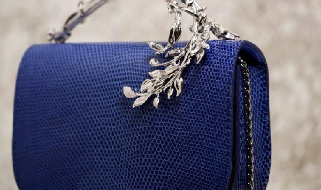 Οι εξωφρενικά ακριβές, ωραιότερες τσάντες- κόσμημα του 2018 είναι του ζεύγους που ετοιμάζει το νυφικό της Μις Μέγκαν - Κυρίως Φωτογραφία - Gallery - Video