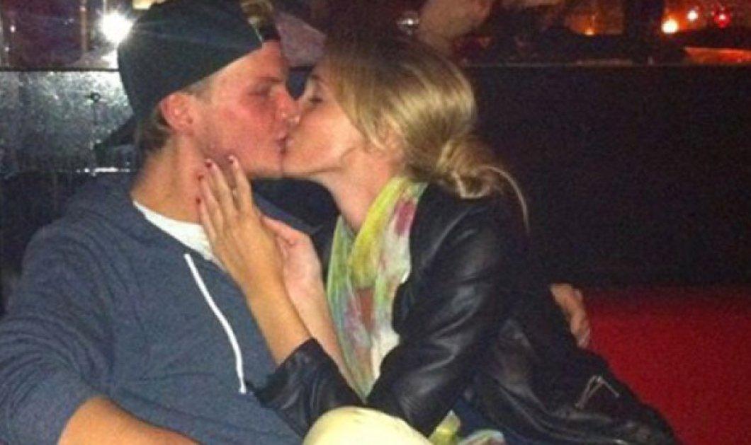 Το καυτό φιλί δύο νέων ερωτευμένων μόνο που ο ένας ανέβηκε στους ουρανούς: O Dj Avicii & η Emily (ΦΩΤΟ) - Κυρίως Φωτογραφία - Gallery - Video