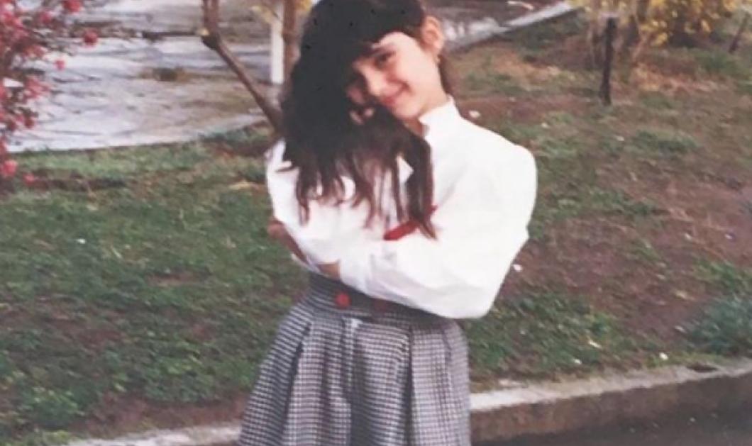 Δυσκολευτήκαμε να αναγνωρίσουμε το κοριτσάκι της φωτό! Είναι σήμερα κούκλα & πασίγνωστη παρουσιάστρια... - Κυρίως Φωτογραφία - Gallery - Video