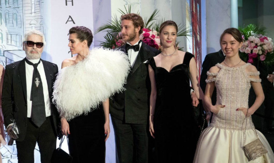 Η πριγκίπισσα Καρολίνα του Μονακό έλαμψε με Chanel αλλά η μεγάλη της κόρη έκλεψε την παράσταση με το νέο της αμόρε (ΦΩΤΟ) - Κυρίως Φωτογραφία - Gallery - Video