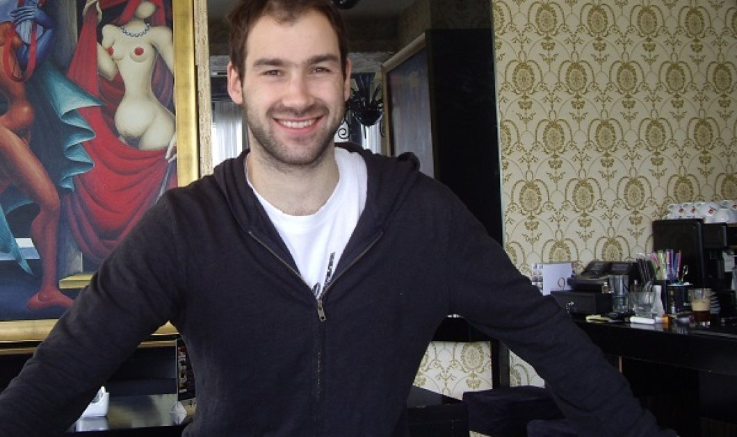 Παραδοσιακός Βασίλης Σπανούλης! Η πασχαλινή selfie του με το αρνί & το κοκορέτσι του! - Κυρίως Φωτογραφία - Gallery - Video