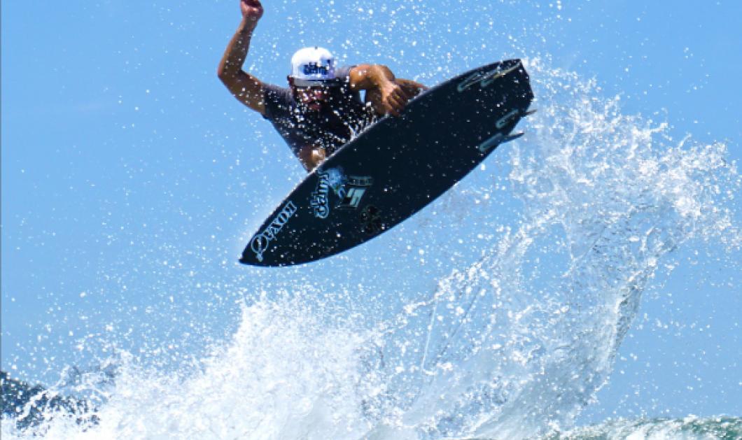 Ο Βραζιλιάνος που δάμασε τα κύματα: Ανέβηκε με το σερφ του στα 25 μέτρα & κατέκτησε παγκόσμιο ρεκόρ (ΦΩΤΟ - ΒΙΝΤΕΟ) - Κυρίως Φωτογραφία - Gallery - Video
