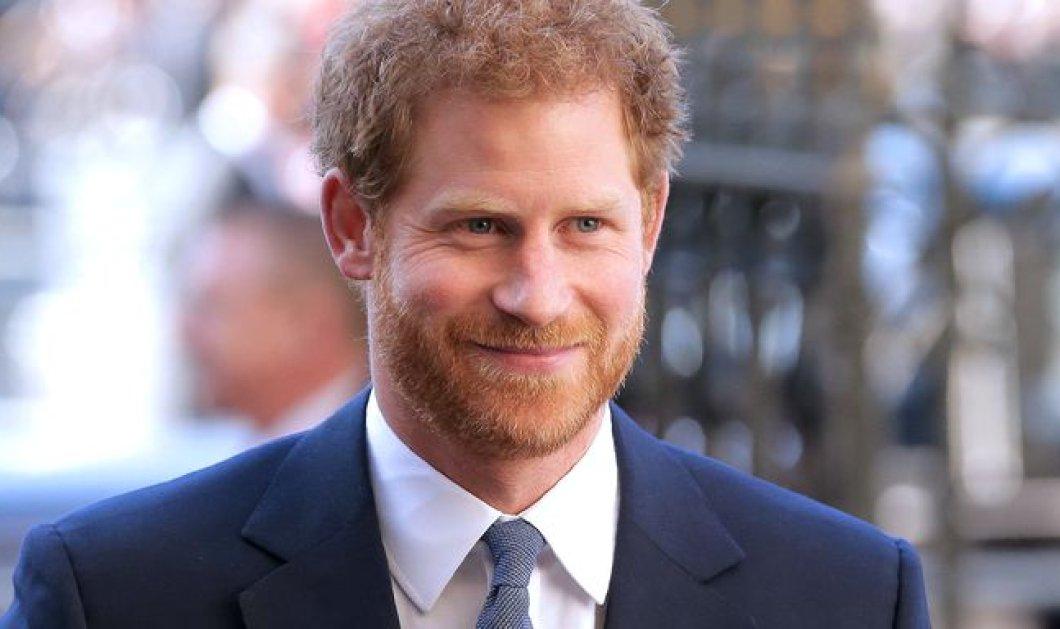 Η τελευταία εμφάνιση του Harry πριν τον γάμο του- Χαιρέτησε τον κόσμο μαζί με τον αδελφό του William στο κάστρο του Ουίνδσορ (ΦΩΤΟ) - Κυρίως Φωτογραφία - Gallery - Video