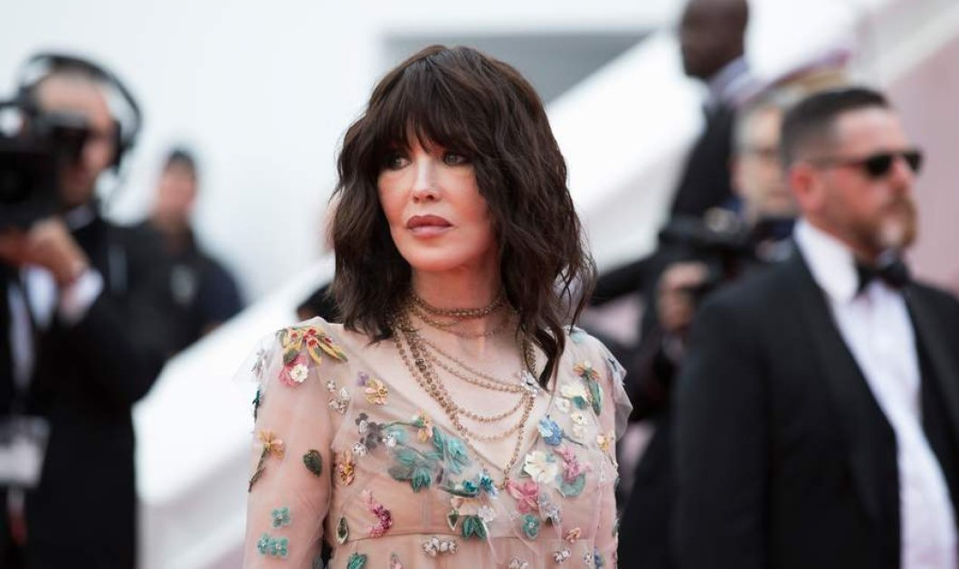 Ιζαμπέλ Ατζανί : Όταν μία πραγματική Γαλλίδα φοράει Dior δημιουργία φλόραλ & πάει στις Κάννες (ΦΩΤΟ) - Κυρίως Φωτογραφία - Gallery - Video
