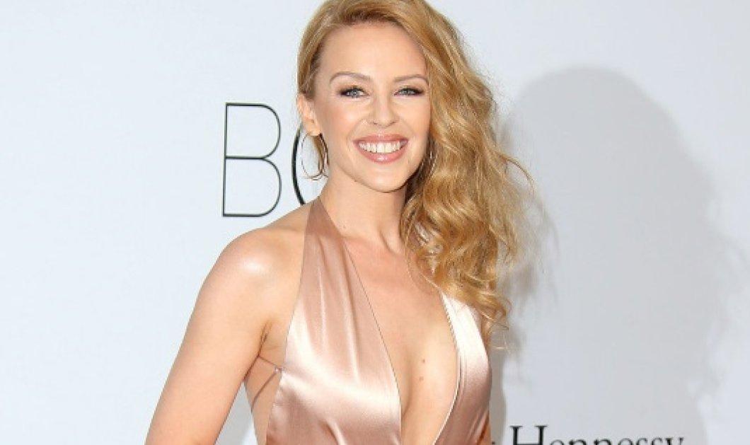 Kylie Minogue: Γιόρτασε τα 50 με μία γυμνή φωτογραφία & την αγαπημένη της κιθάρα (ΦΩΤΟ) - Κυρίως Φωτογραφία - Gallery - Video