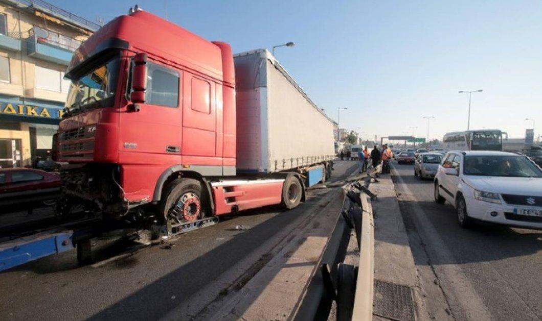 Τροχαίο στον Κηφισό: Κακουργηματική δίωξη στον οδηγό- Αυτά είναι τα θύματα της νταλίκας - Κυρίως Φωτογραφία - Gallery - Video