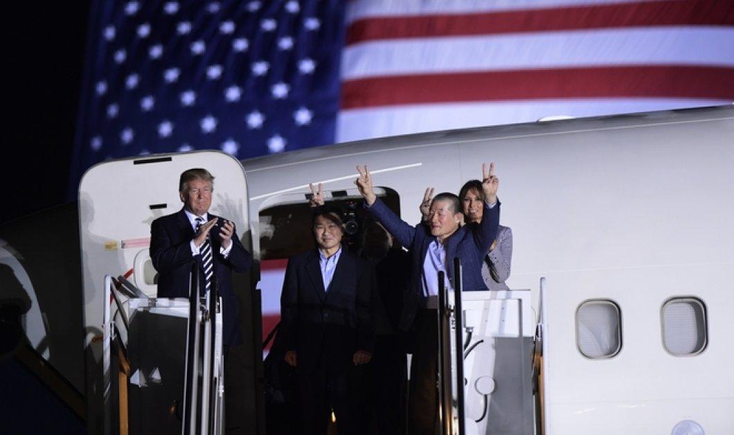 Υποδοχή από Τραμπ & Μελάνια για τους τρεις Αμερικανούς που απελευθέρωσε ο Κιμ- Έφτασαν στις ΗΠΑ (ΦΩΤΟ) - Κυρίως Φωτογραφία - Gallery - Video