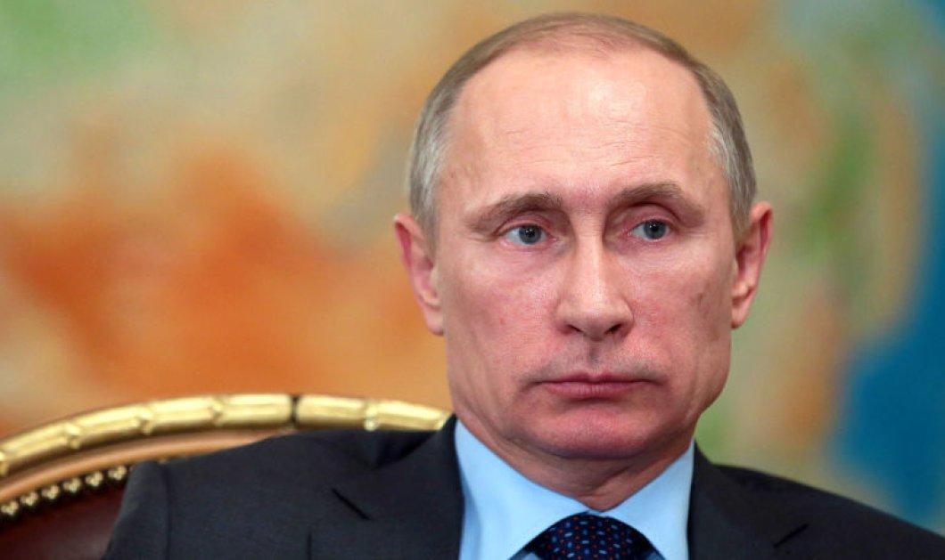 Ένας στους τρεις Έλληνες πιστεύει ότι μας ψεκάζουν και θέλει ηγέτη τον Πούτιν - Κυρίως Φωτογραφία - Gallery - Video