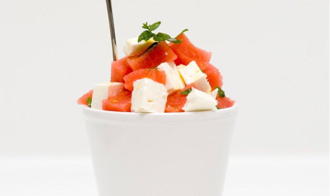 Δροσιστική σαλάτα με καρπούζι, φέτα και ελαιόλαδο από τον Στέλιο Παρλιάρο - Κυρίως Φωτογραφία - Gallery - Video