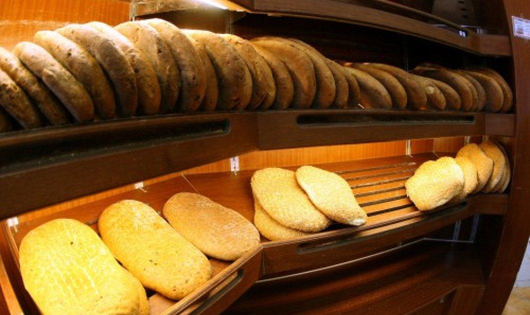 Δυο γυναίκες τάχα βρήκαν κλωστή στο ψωμί της και ζητούσαν 15.000 ευρώ – Πως εκβίαζαν τον φούρναρη; - Κυρίως Φωτογραφία - Gallery - Video