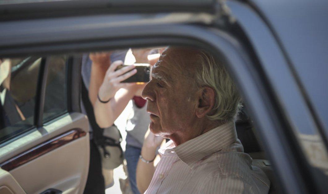 Ο Άκης Τσοχατζόπουλος αποφυλακίστηκε - «Δεν είμαι στην καλύτερη στιγμή μου» είπε (Φωτό & Βίντεο) - Κυρίως Φωτογραφία - Gallery - Video