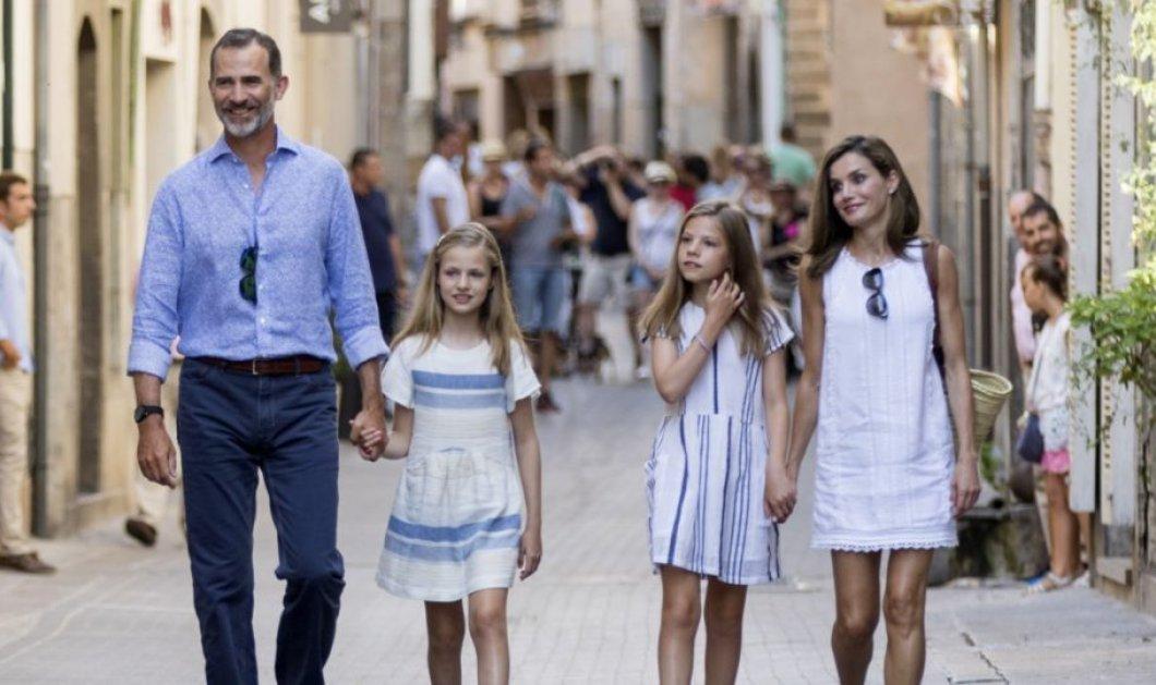 Ο Βασιλιάς Φελίπε, η Βασίλισσα Λετίθια και τα παιδιά τους ποζάρουν χαμογελαστοί - Περνούν ήρεμες στιγμές στη Μαγιόρκα (Φωτό) - Κυρίως Φωτογραφία - Gallery - Video