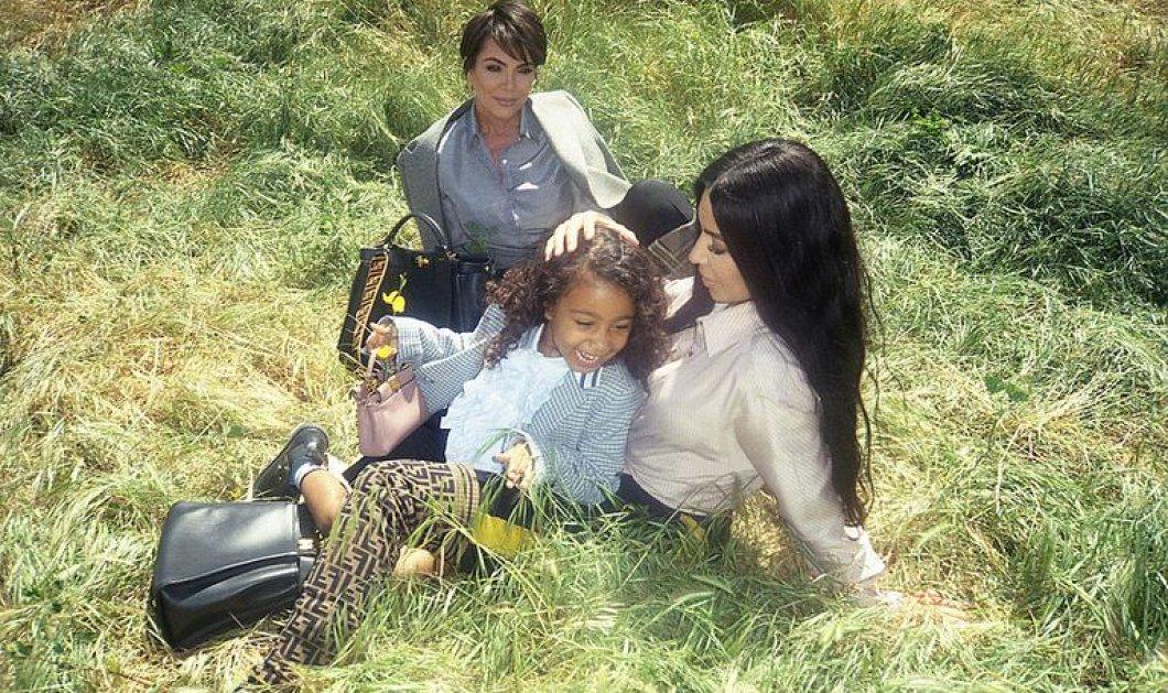 Όταν η θρυλική μαμά κι η γιαγιά Καρντάσιαν αποφάσισαν να βάλουν και την εγγονή στη νέα καμπάνια του οίκου Fendi - Αγκαλιά με Κιμ (Φωτό & Βίντεο) - Κυρίως Φωτογραφία - Gallery - Video