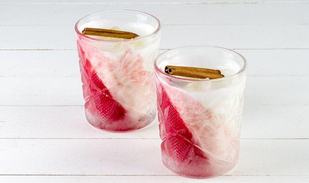 Ο Άκης Πετρετζίκης δημιουργεί ένα απίθανο κοκτέιλ με γιαούρτι, βατόμουρα, φράουλες & μύρτιλα που θα σας ξετρελάνει! - Κυρίως Φωτογραφία - Gallery - Video