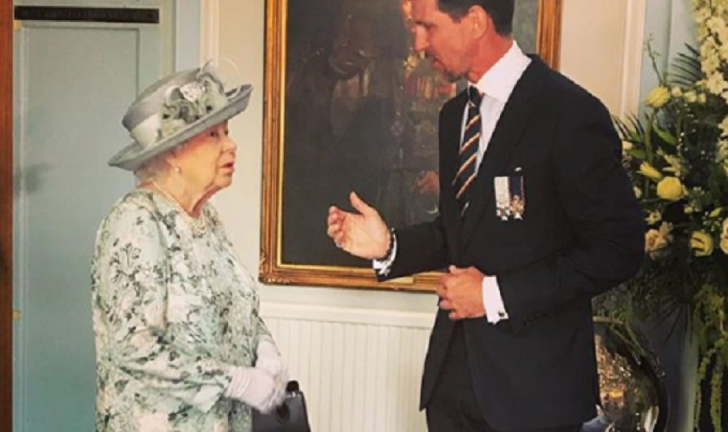O Πρίγκηπας Παύλος με την Βασίλισσα Ελισάβετ μαζί: Τον έχρισε συνταγματάρχη της βασιλικής σκωτσέζικης φρουράς Dragoon (φωτο) - Κυρίως Φωτογραφία - Gallery - Video