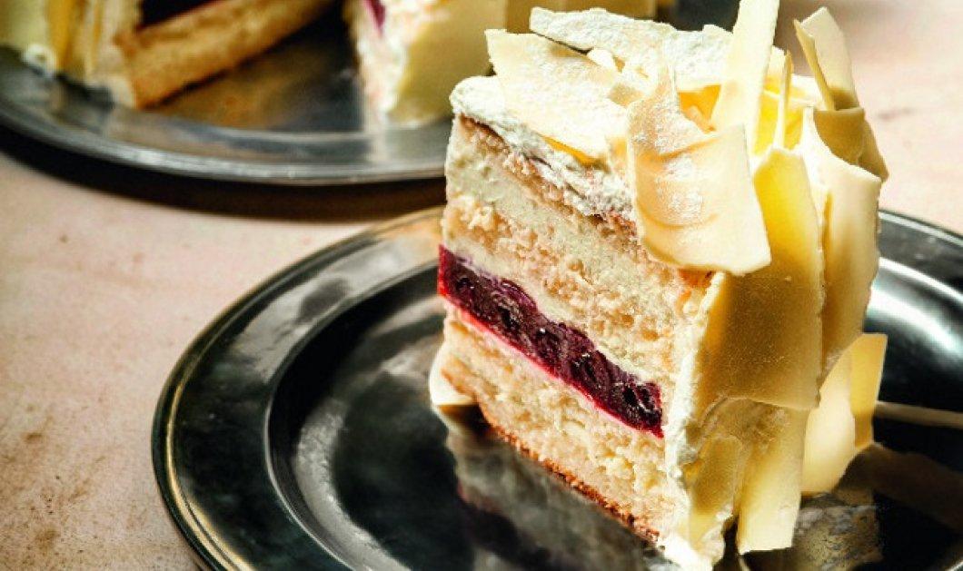 Εντυπωσιακή λευκή τούρτα βανίλια με βύσσινα δια χειρός Στέλιου Παρλιάρου - Κυρίως Φωτογραφία - Gallery - Video