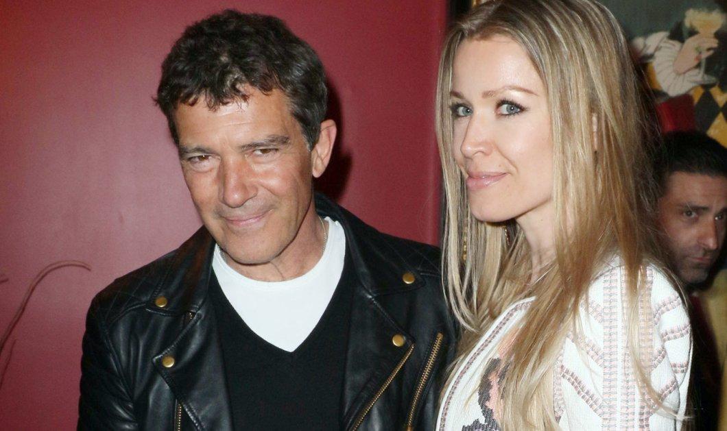 Ο Αντόνιο Μπαντέρας ερωτευμένος παρά ποτέ με την κατά 20 χρόνια νεότερη σύντροφο του - Κυρίως Φωτογραφία - Gallery - Video