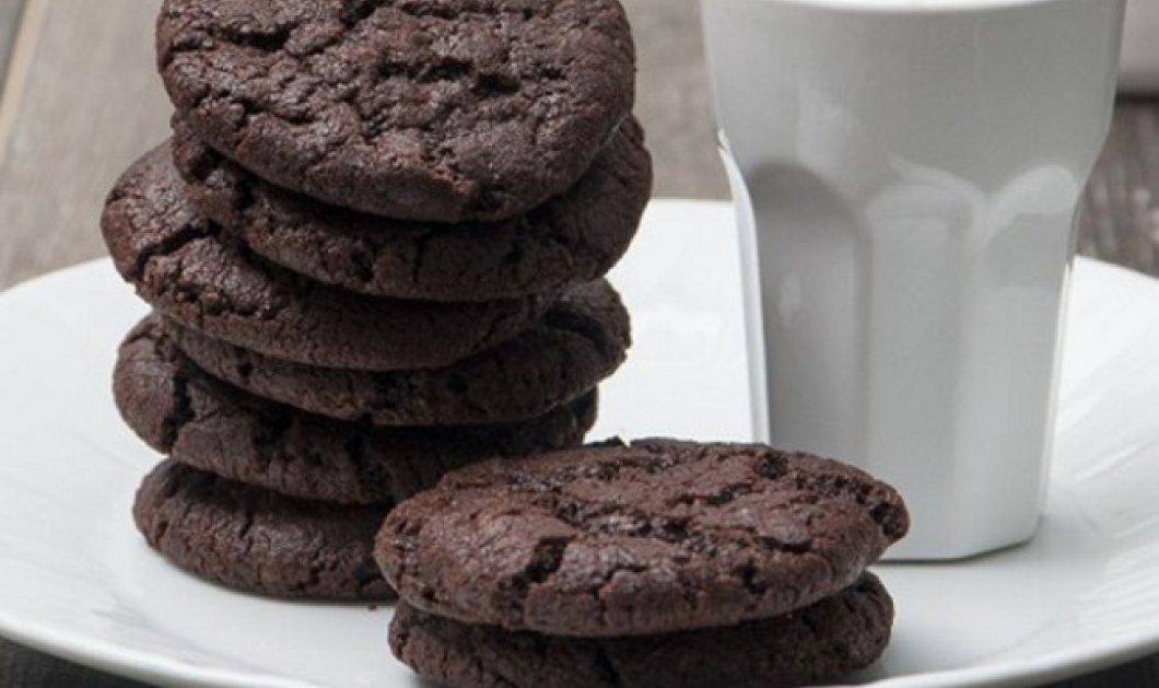 Αφράτα και μαλακά cookies με δύο σοκολάτες από τον Στέλιο Παρλιάρο - Κυρίως Φωτογραφία - Gallery - Video
