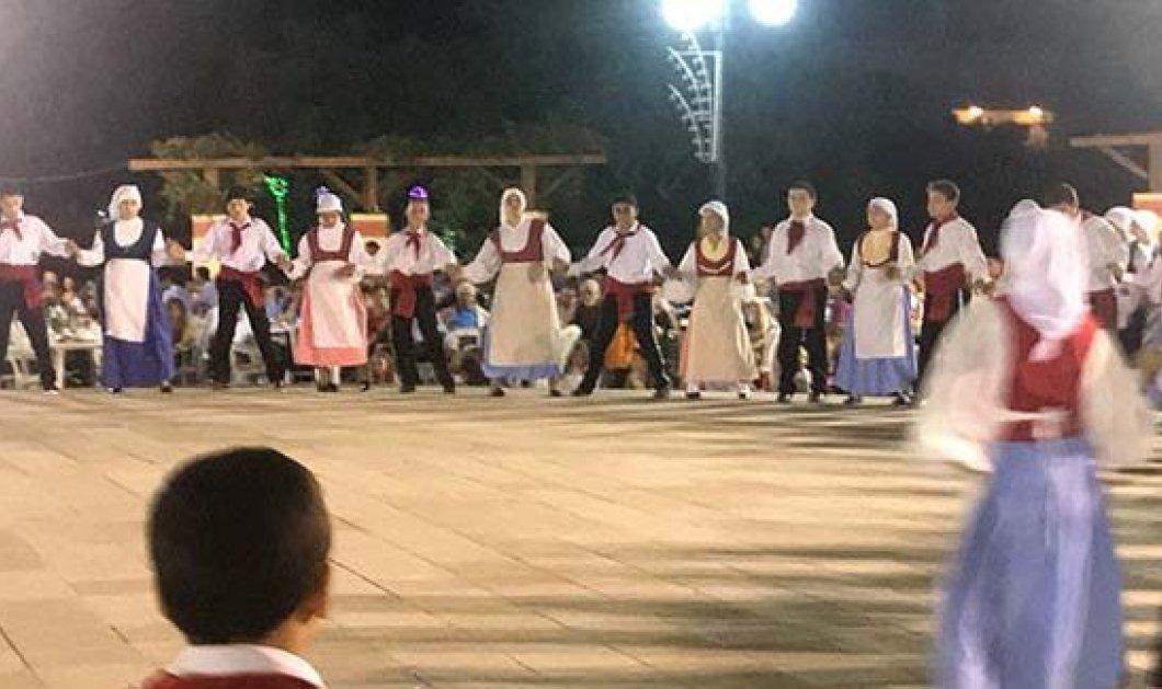 """Στα Φραγκάτα της Κεφαλονιάς, αξίζει να δείτε  τους """"παίδες"""" & τους μεγάλους χορευτές του Μέρμηγκα - Κυρίως Φωτογραφία - Gallery - Video"""