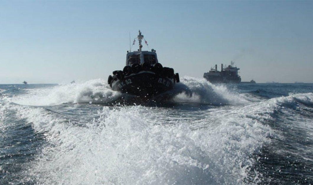 Βίντεο - Ντοκουμέντο: Τούρκοι πήγαν να κλέψουν αλιευτικά Ελλήνων ψαράδων και τους πυροβόλησαν - Κυρίως Φωτογραφία - Gallery - Video