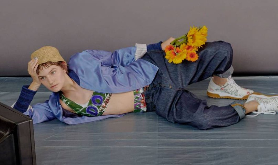 Ας δούμε σε 62 φώτο την τρελή & εκκεντρική κολεξιόν της Vivienne Westwood για το επόμενο Καλοκαίρι   - Κυρίως Φωτογραφία - Gallery - Video
