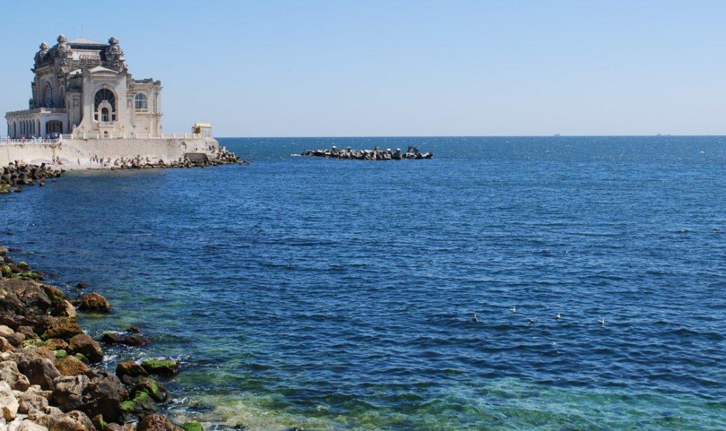 Ουκρανία: Η Μαύρη Θάλασσα φουρτούνιασε σε έναν τοίχο του Κιέβου (Φωτό) - Κυρίως Φωτογραφία - Gallery - Video
