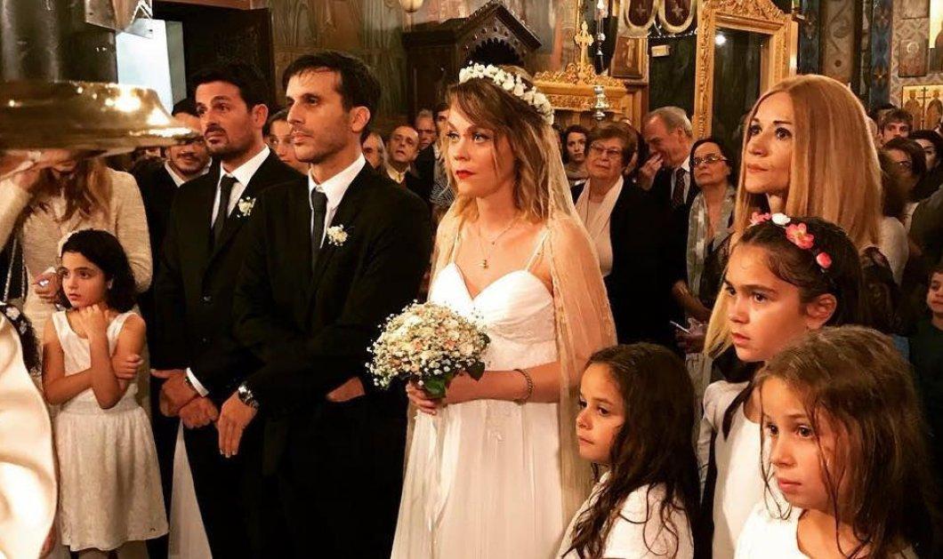 Παντρεύτηκε η ηθοποιός Λένα Παπαληγούρα- φώτο και βίντεο από τον  ρομαντικό γάμο της υπό βροχή & με ομπρέλες  - Κυρίως Φωτογραφία - Gallery - Video