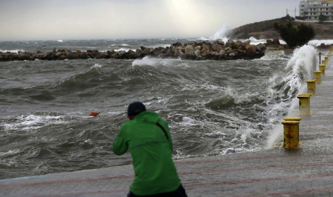 Κυκλώνας από τα ξημερώματα στην Πελλοπόνησο- Κύματα ύψους οκτώ μέτρων αναμένονται σε Κύθηρα και Νότιο Ιόνιο- Όλη η προγνωση- LIVE η πορεία του  (φώτο-βίντεο)    - Κυρίως Φωτογραφία - Gallery - Video