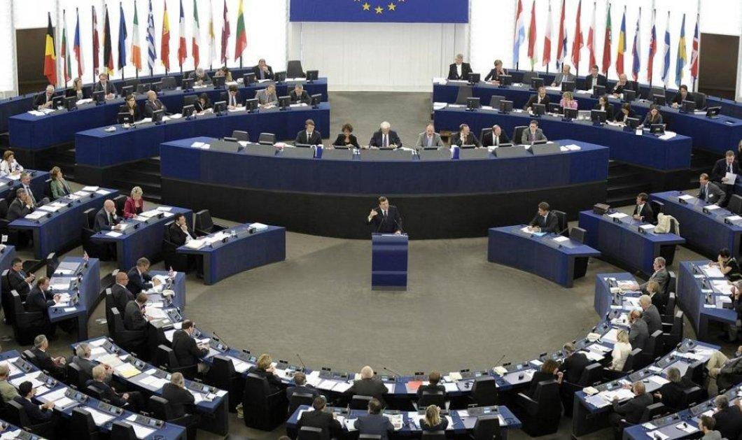 Ευρωκοινοβούλιο: Τεράστια πρώτη νίκη των «κλασσικών» ΜΜΕ, κατά της Google και του Facebook - Κυρίως Φωτογραφία - Gallery - Video
