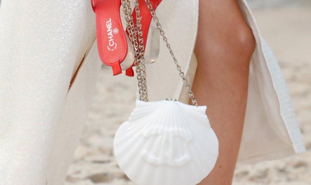 8 απίθανες ιδέες για τσάντες παραλίας από το σόου του Οίκου Chanel - Με σχήμα κοχυλιού ή μπαλόνι - Φώτο    - Κυρίως Φωτογραφία - Gallery - Video
