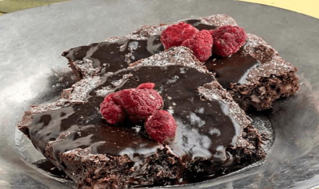 Η Αργυρώ Μπαρμπαρίγου προτείνει μια υγιεινή σοκολατόπιτα χωρίς ζάχαρη και χωρίς γλουτένη  - Κυρίως Φωτογραφία - Gallery - Video