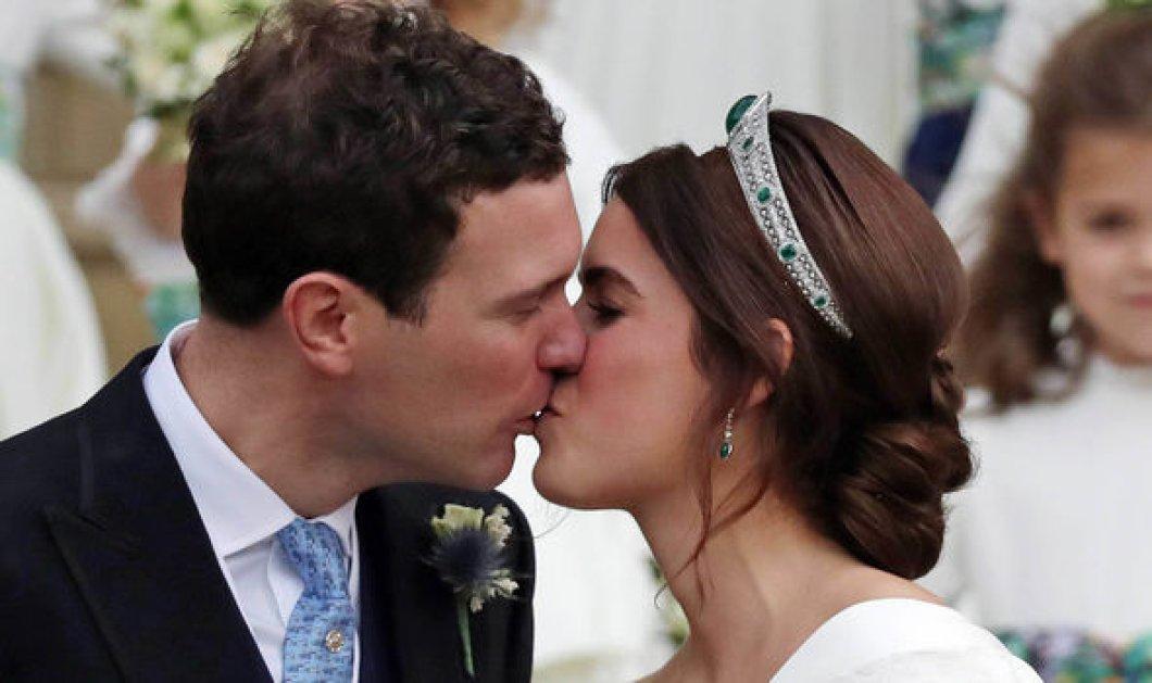 Βασιλικός γάμος: Η Πριγκίπισσα Ευγενία παντρεύτηκε τον αγαπημένο της - Τιάρα με σμαράγδια & νυφικό δια χειρός Pilotto (Φωτό & Βίντεο) - Κυρίως Φωτογραφία - Gallery - Video