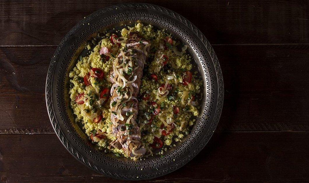 Ο Άκης Πετρετζίκης σε μια εκπληκτική συνταγή: Φτιάχνει νοστιμότατο ψαρονέφρι με κους κους  - Κυρίως Φωτογραφία - Gallery - Video