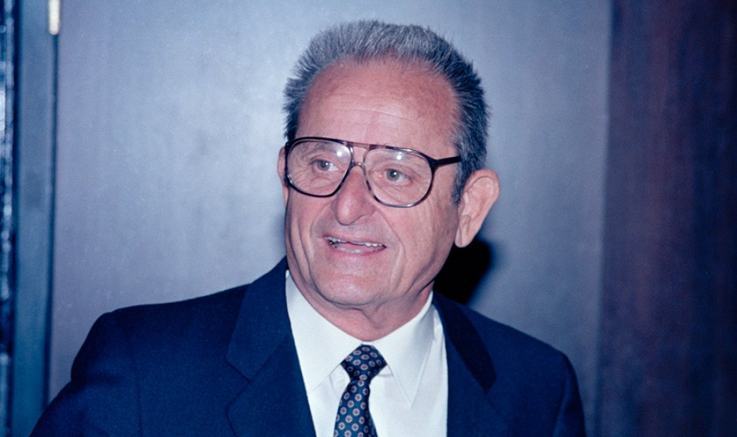 Έφυγε από τη ζωή ο Άλεξ Σπανός: Πούλαγε ξυπόλητος σάντουιτς κι έγινε μαικήνας του πλούτου - Τον Αύγουστο έχασε τη σύζυγο του - Μαζί 70 χρόνια - Κυρίως Φωτογραφία - Gallery - Video
