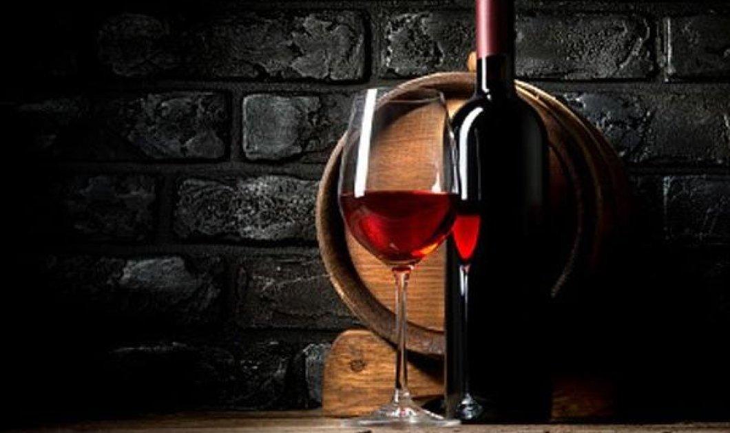 Ανακαλύφθηκε 3,5 λίτρα κρασί μέσα σε τάφο ηλικίας 2.000 ετών - Και όμως ακόμη μύριζε κρασάκι - Κυρίως Φωτογραφία - Gallery - Video