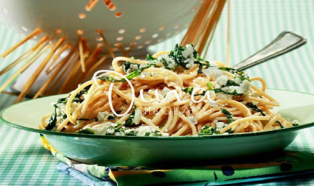 Μία γρήγορη & εύκολη συνταγή για σπαγγέτι ολικής άλεσης με σάλτσα ανθότυρου & ρόκα από την Ντίνα Νικολάου - Κυρίως Φωτογραφία - Gallery - Video