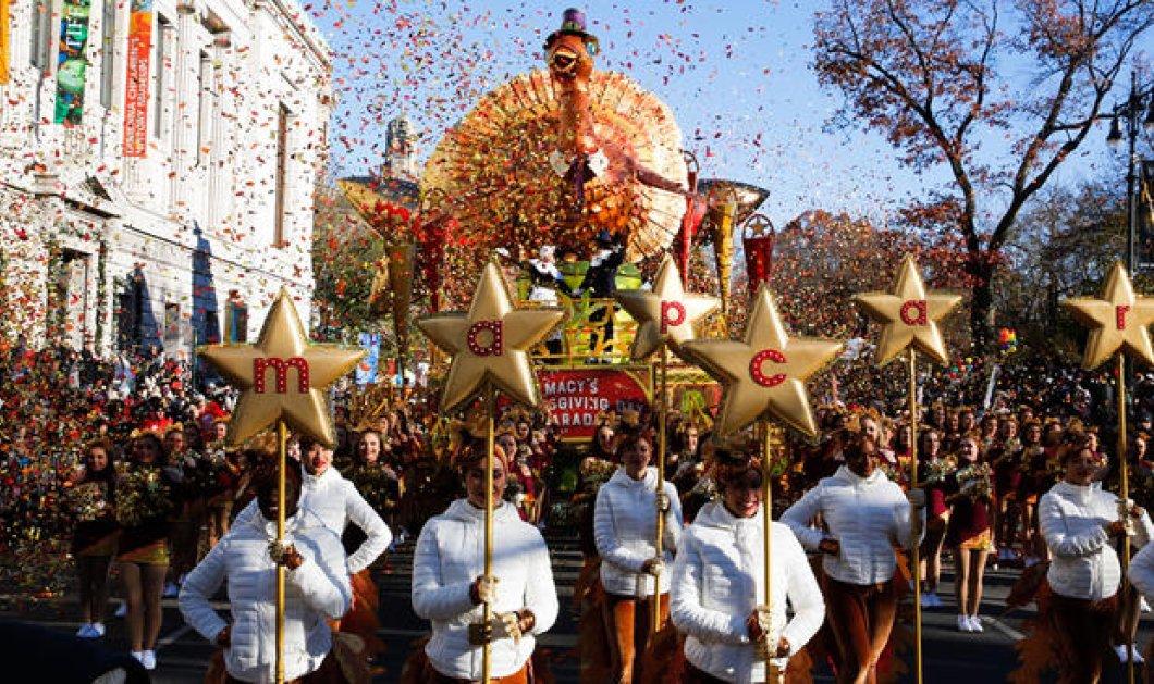 Μεγάλη παρέλαση στη Νέα Υόρκη για την Ημέρα των Ευχαριστιών - Αγιοβασίληδες στον δρόμο (φωτό) - Κυρίως Φωτογραφία - Gallery - Video