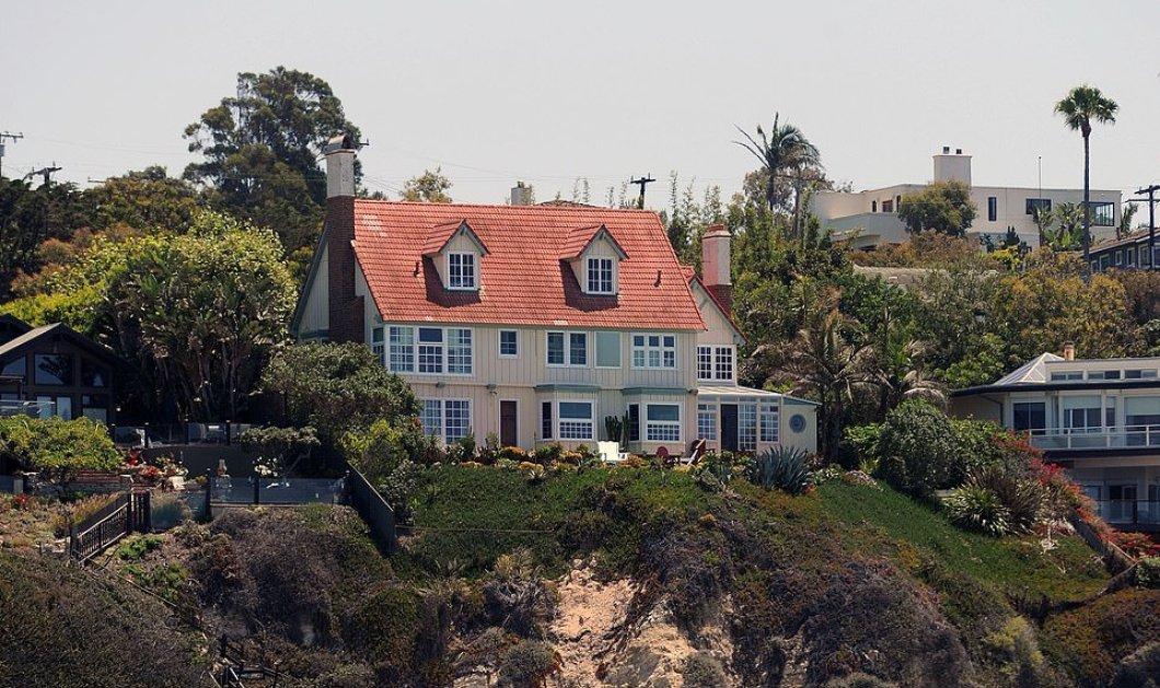 Στάχτη παντού στην Καλιφόρνια αλλά οι βίλες των Πιρς Μπρόσναν και Άντονι Χόπκινς έμειναν άθικτες - Δείτε φώτο  - Κυρίως Φωτογραφία - Gallery - Video