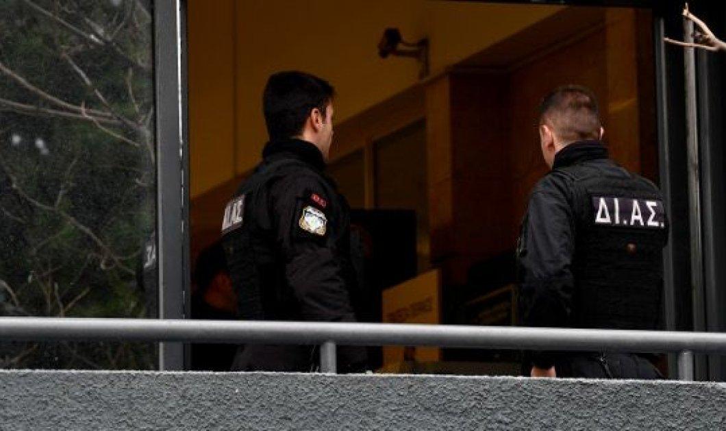 Τέσσερις αστυνομικοί ΔΙΑΣ στο νοσοκομείο, έπειτα από επίθεση 50 αντιεξουσιαστών  - Κυρίως Φωτογραφία - Gallery - Video