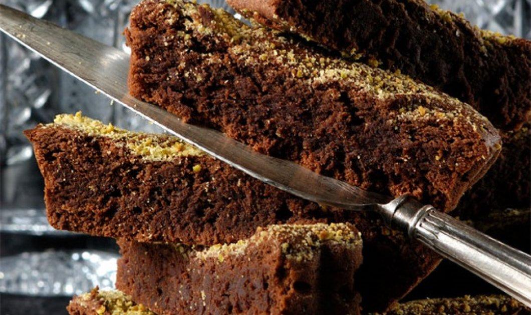 Πεντανόστιμη φουντουκόπιτα με σοκολάτα από τον Στέλιο Παρλιάρο - Κυρίως Φωτογραφία - Gallery - Video