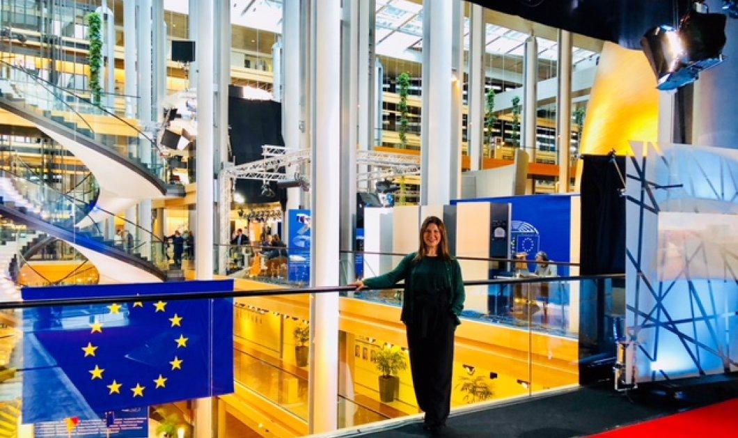 Λεπτό προς λεπτό περιμένοντας τη Μέρκελ και τον Ταγιάνι στο Ευρωπαϊκό Κοινοβούλιο - Και ο Κούλογλου σε διαμαρτυρία απ' έξω (Φωτό & Βίντεο) - Κυρίως Φωτογραφία - Gallery - Video