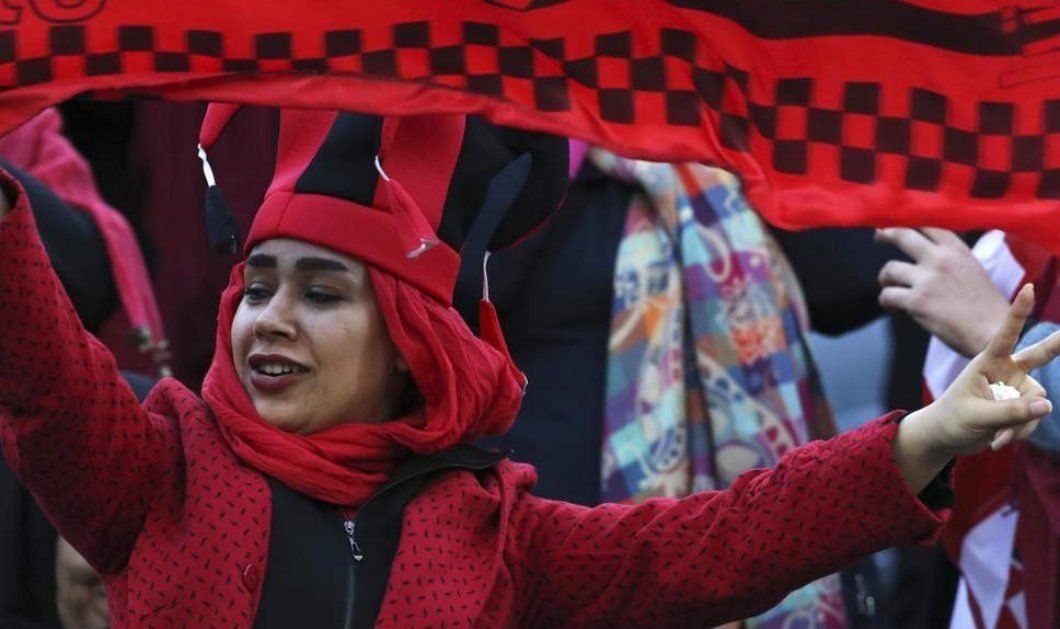 Όρμησαν στα γήπεδα ποδοσφαίρου οι γυναίκες στην Τεχεράνη -37 χρόνια μετά την απαγόρευση - Φώτο    - Κυρίως Φωτογραφία - Gallery - Video