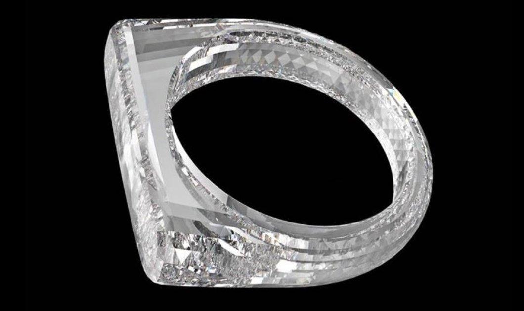 Δαχτυλίδι εξ ολοκλήρου φτιαγμένο από ένα και μόνο διαμάντι με design της Apple! (φωτό) - Κυρίως Φωτογραφία - Gallery - Video
