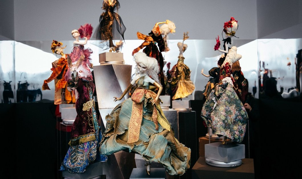 Όταν ο Δημήτρης Ντάσσιος έντυσε με τα ονειρικά  του ρούχα τις 12 παραμυθένιες πριγκίπισσες της Ιωάννας Παρασκευά , ένας μαγικός κόσμος γεννήθηκε (φωτό) - Κυρίως Φωτογραφία - Gallery - Video