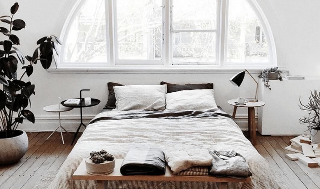 Ο Σπύρος Σούλης μας αποκαλύπτει 10 λόγους που το κρεβάτι μας δεν χρειάζεται κεφαλάρι - Φώτο   - Κυρίως Φωτογραφία - Gallery - Video
